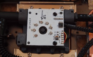 R9 Fury X - below the cover is a simple white pcb soldered to the motor